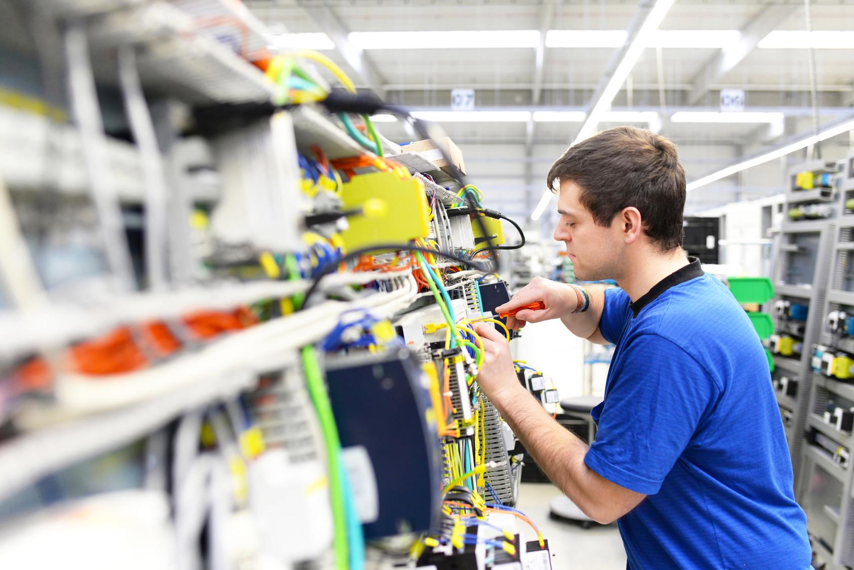elektromonter mazel oferta pracy
